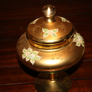 Nice candy dish, green and gold - Art Glass
