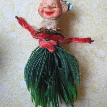 Hula Elf Ornament -- what the heck?