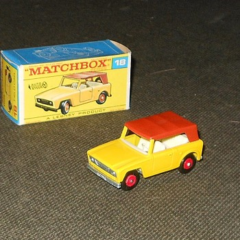 Matchbox MB 18 Scout Car in F Style Box - Model Cars