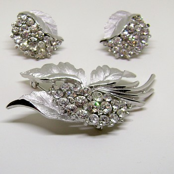 Trifari Brooch and Earring Set - Costume Jewelry
