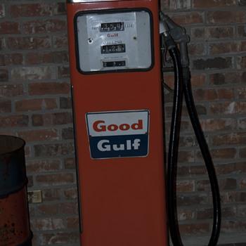 1960 Gulf Gas Pump - Petroliana