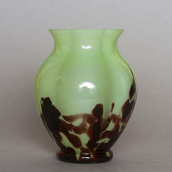 oxblood-mint Welz - Art Glass