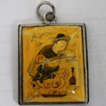 Japanese hand painted pendant  - Asian