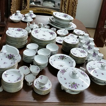 151 pcs of Rossetti's Spring Violets and Sango Japan--all alike - China and Dinnerware
