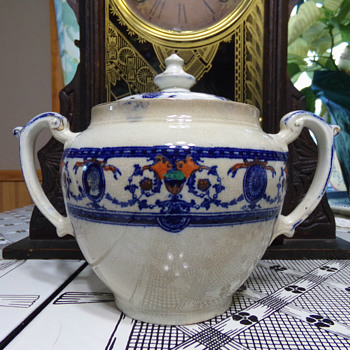 Sugar Bowl, C. 1906 - China and Dinnerware