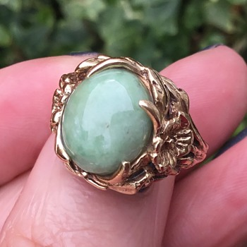 Gold and Jade Ring - Fine Jewelry