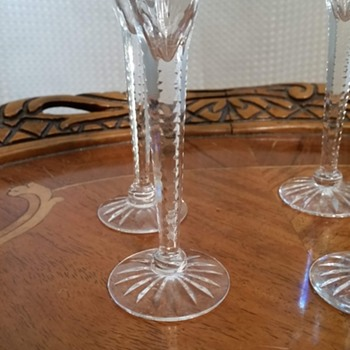 Identify this cut crystal pattern - Glassware