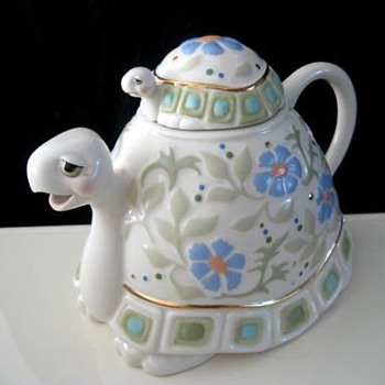 Lenox Tea Time Tutle Teapot - China and Dinnerware