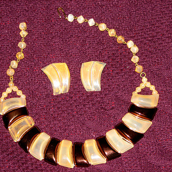 Bronze Ivory colored set - Costume Jewelry