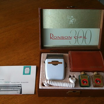 Vintage - New Ronson CFL 300 Electric Razor