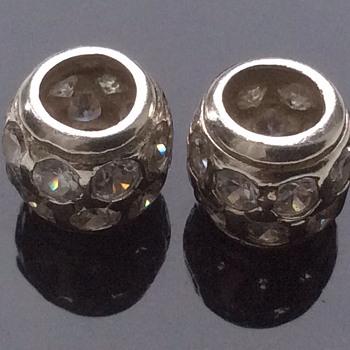 Silver gemset barrel shaped items. - Fine Jewelry