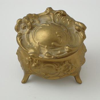 romantic metal ring box - Fine Jewelry