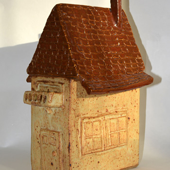 I always wanted a house with balcony - Pottery
