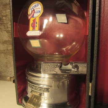 Vintage Salesman Ford 1 cent Gumball Machine Display - Coin Operated
