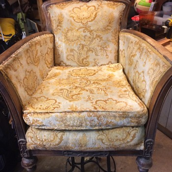 need help identifying make style and year - Furniture