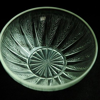 "nice french art deco glass bowl ""les epis"" by RENE LALIQUE - Art Deco"