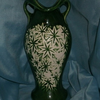 McCoy Starburst Line Vase - Pottery