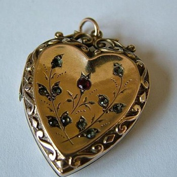 Victorian 9K locket / pendant with garnet and rose diamonds. - Victorian Era