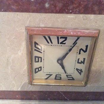 Art Deco Mantle Clock / France / NEED IDENTIFICATION
