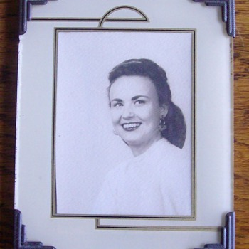 """Art Deco Frame of a picture of """"Mom"""". - Photographs"""