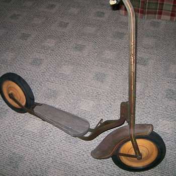 Couple of old Childrens Scooters - Sporting Goods