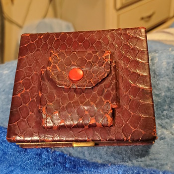 Old cigarette case/box?? - Tobacciana