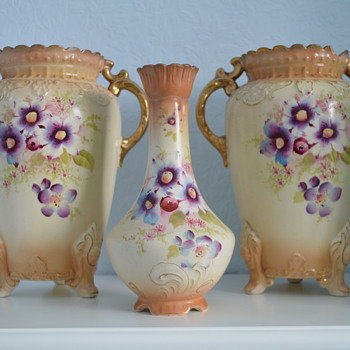 Fieldings (SF & Co) Royal Tudor vases - late 19th century - Pottery