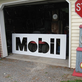 MOBIL OIL SIGN - Petroliana
