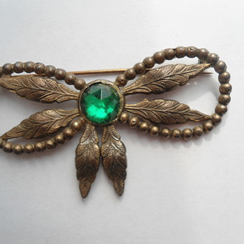 Vintage Bow Tie C clasp Brooch  - Costume Jewelry