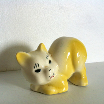Yellow Ceramic Cat Diffuser- Hull, McCoy, TEVVY, Japan, what? - Animals