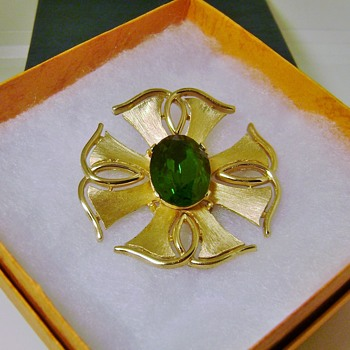 Trifari Star Rays Brooch - Costume Jewelry
