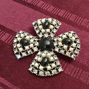 Weiss brooch - Costume Jewelry