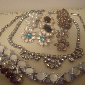 Weekend finds - Costume Jewelry