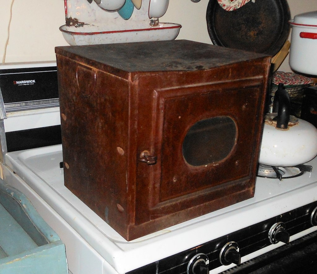 Vintage Stove Top Oven or Pie Warmer | Collectors Weekly