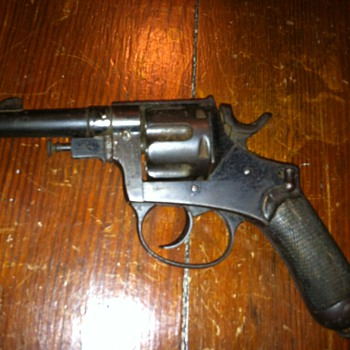 WWI Italian military pistol  - Military and Wartime