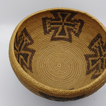 Need help identifying these Native American baskets #1 - Native American