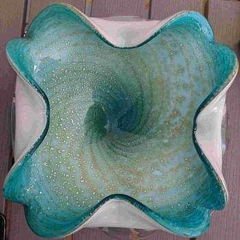 amorphous Murano bowl - Art Glass