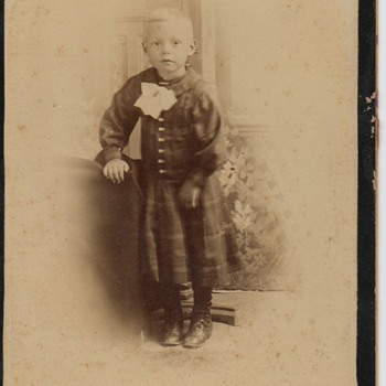 Cabinet Card of Leonard Mitchell - Photographs