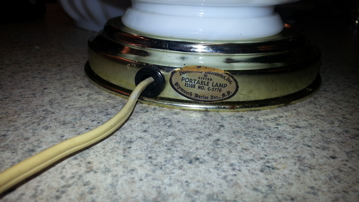 Plymouth Harlee Portable Lamp C-5770 | Collectors Weekly