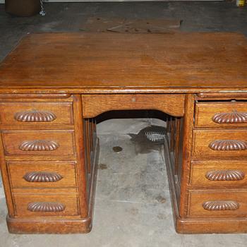 Unknown desk - Furniture