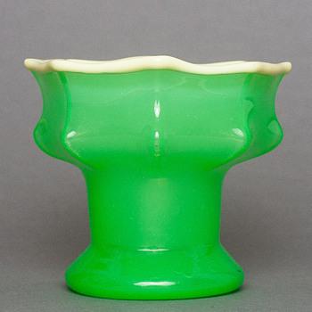 Kralik uranium tango vase - Art Deco