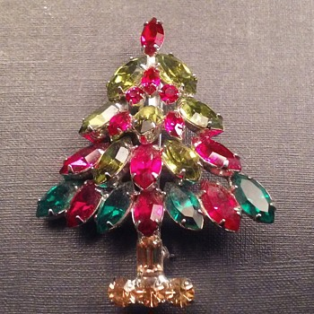 Napier Christmas Tree brooch - Christmas