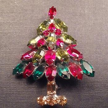 Napier Christmas Tree brooch - Costume Jewelry
