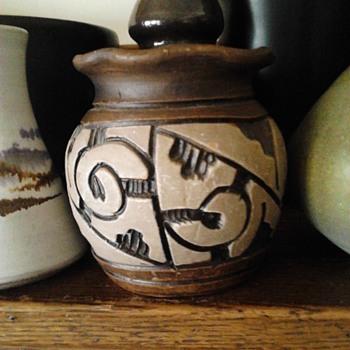 NORTH DAKOTA SCHOOL OF MINES VASE - Pottery