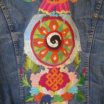 Vintage Levi's 1970's Men's Embroidered Jacket created by a San Francisco hippie - Mens Clothing