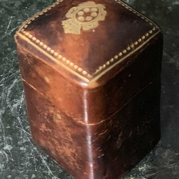 Little Embossed Leather Match Case - Tobacciana