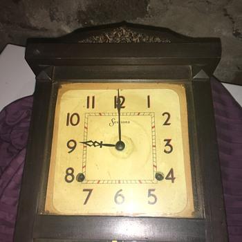 Unidentified Grandmother's session clock - Clocks