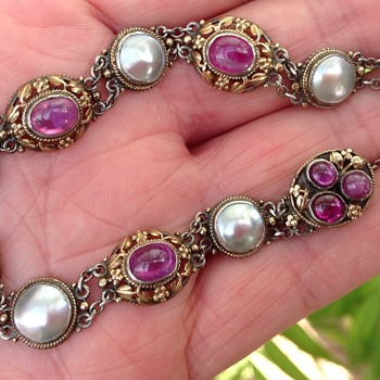 Art and Craft Gold and Silver (Ruby / Garnet) Bracelet