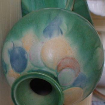 Roseville Futura Balloon Vase Art Deco 1928 - Pottery