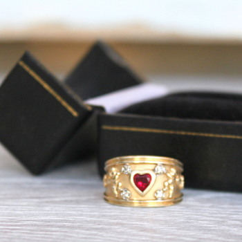 14k Gold Ring w/ Ruby Heart - Gold